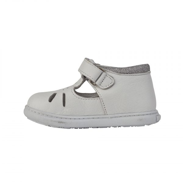 Кожаная весенняя обувь
