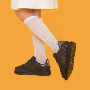 Блестящие кеды на шнуровке